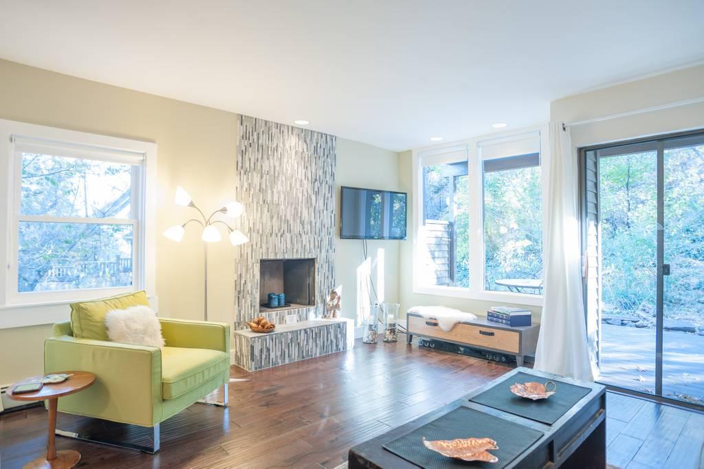 airbnb%20living%20toom