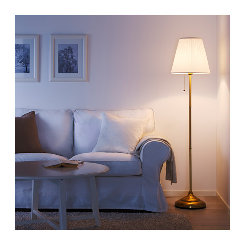 %C3%A5rstid-staande-lamp-messing-wit__0468298_pe611363_s4